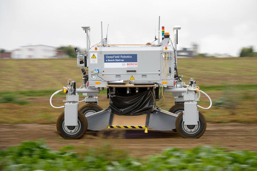 Картинки по запросу фото В Германии изобрели робота, который обещает стать незаменимым в сельском хозяйстве